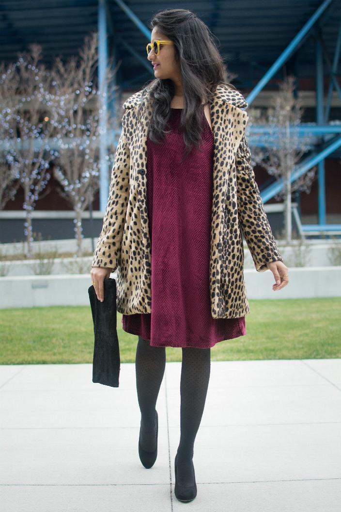 Velvet-dress-holiday-look-dl