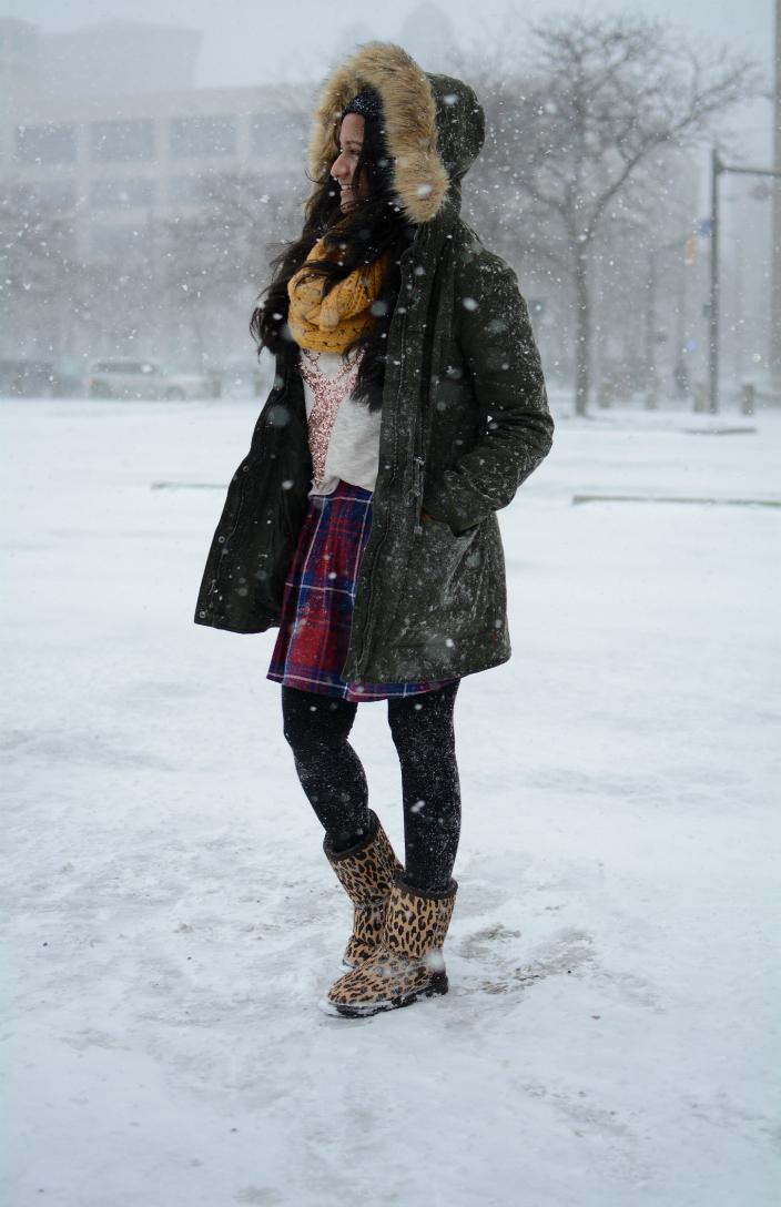 uo-levis-Faux-Fur-Hooded-Field-Jacket