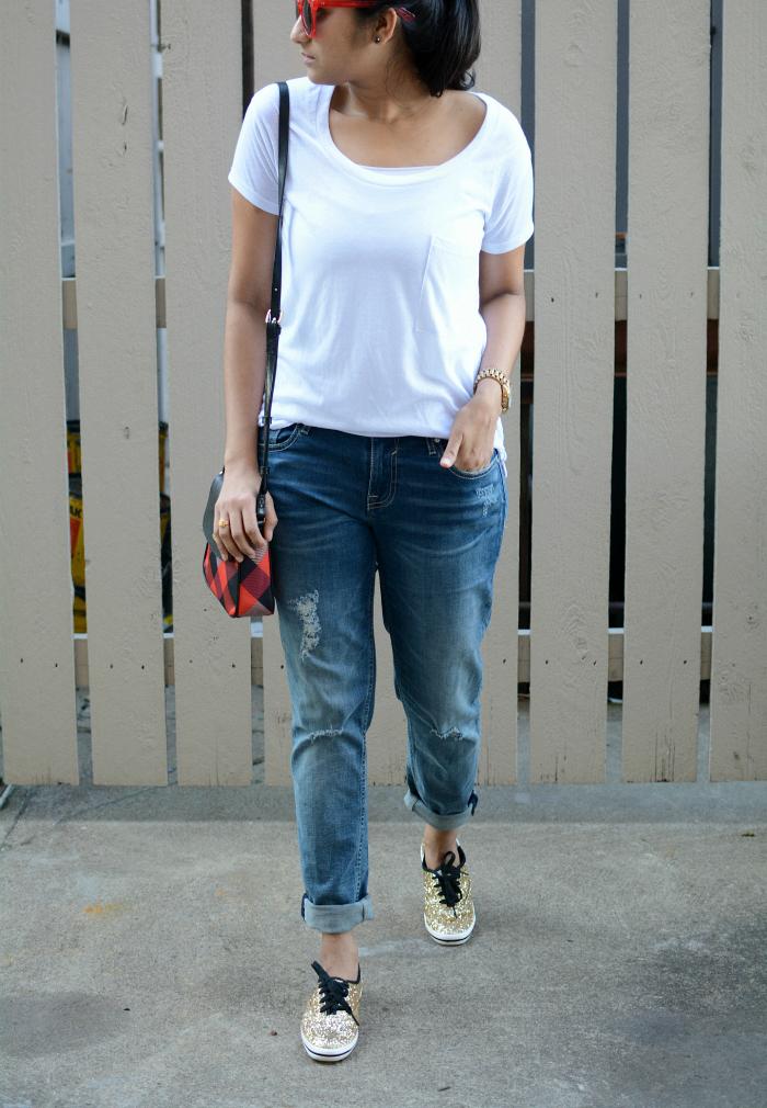 white-tee-boyfriend-jeans-dl