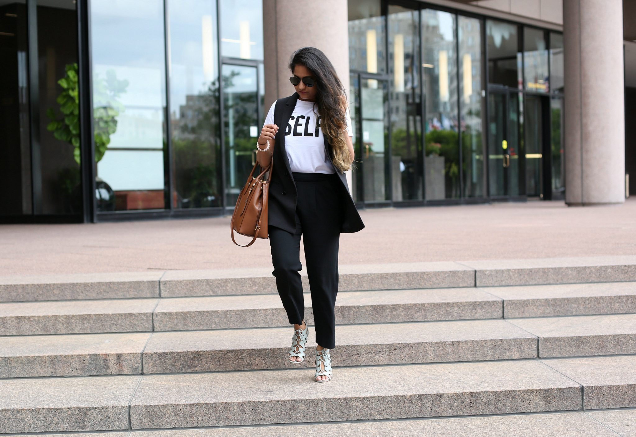 how-towear-graphic-tees-to-work