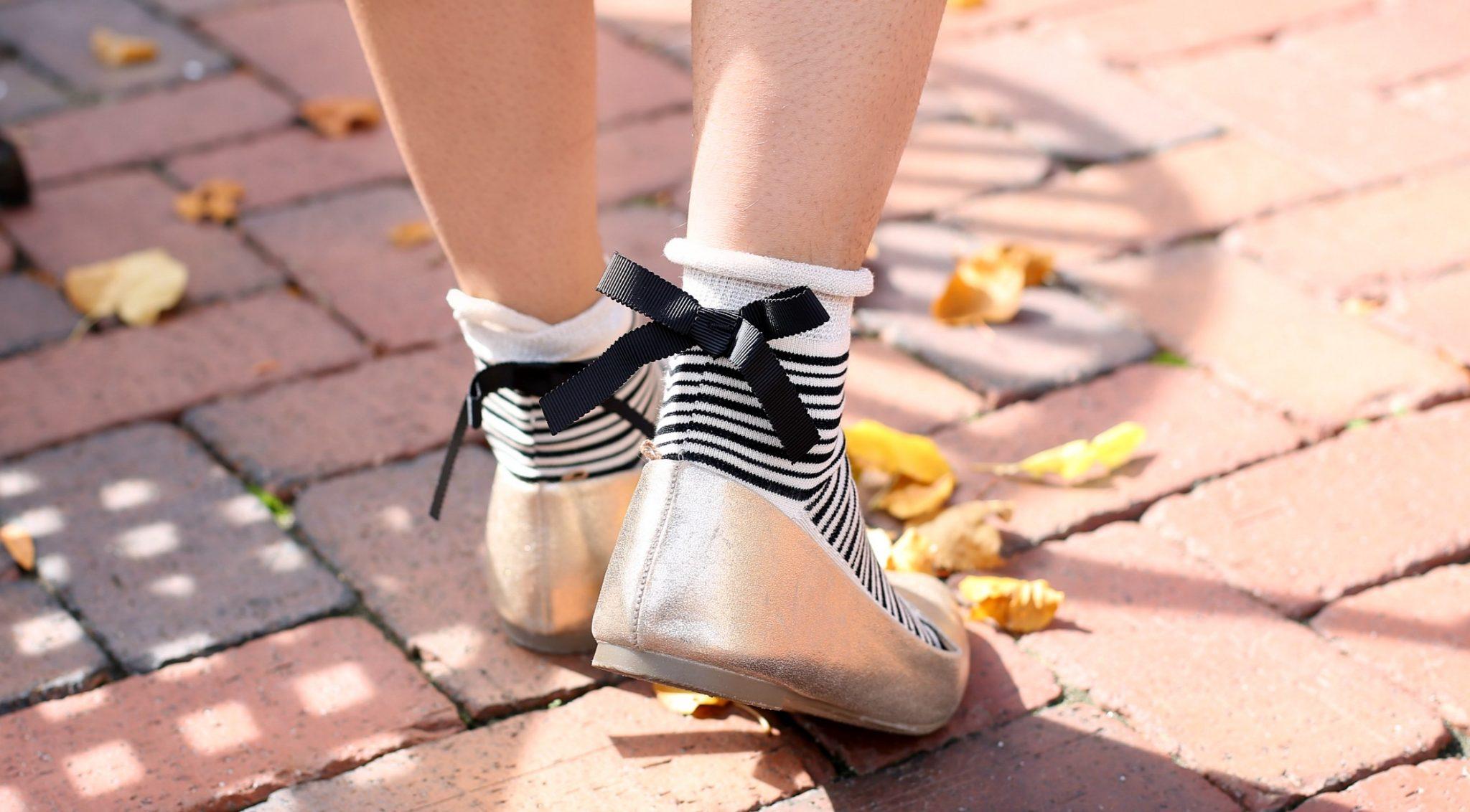 free-people-parisi-stripe-bow-ankle-socks