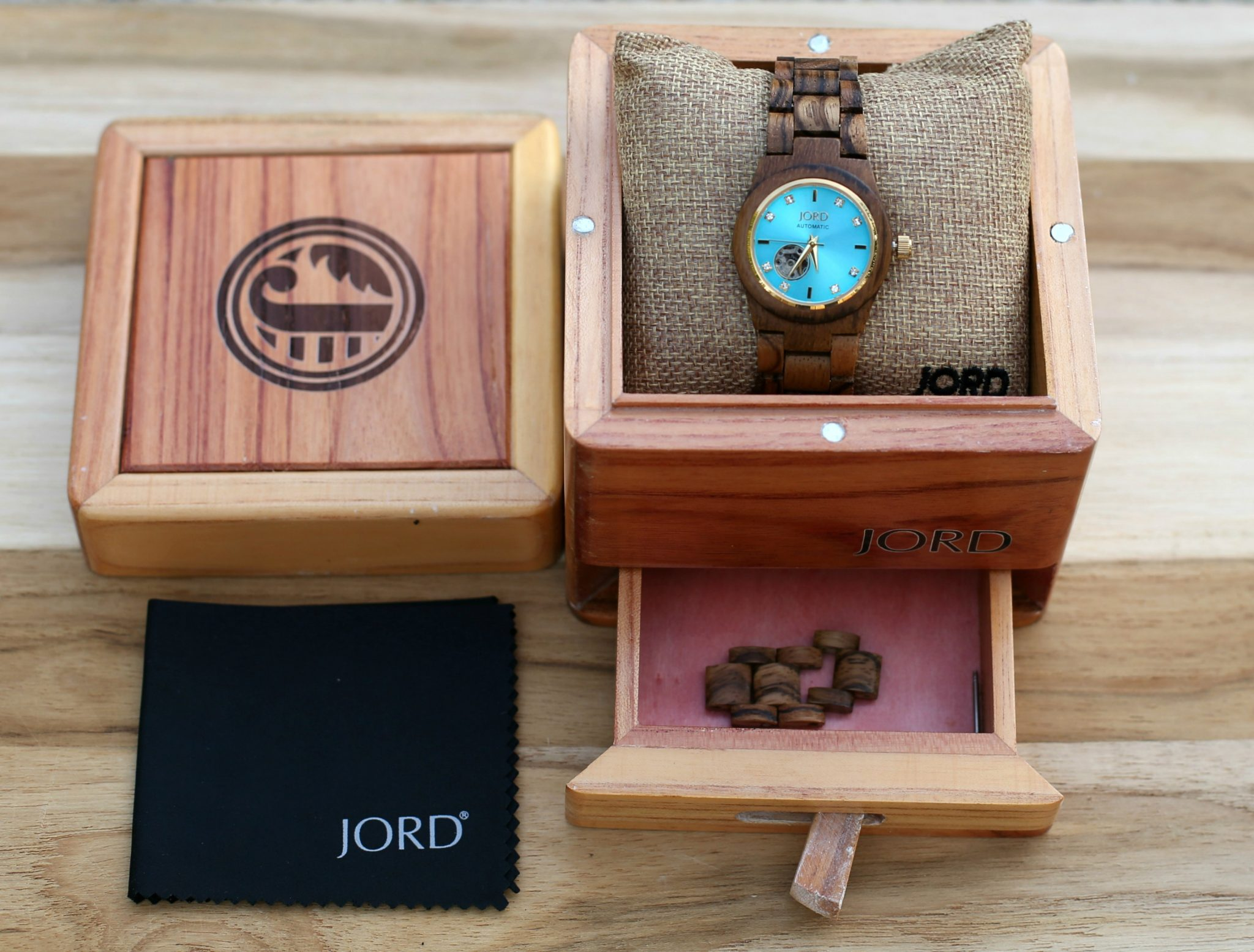 jord-wood-watch-giveaway-dl