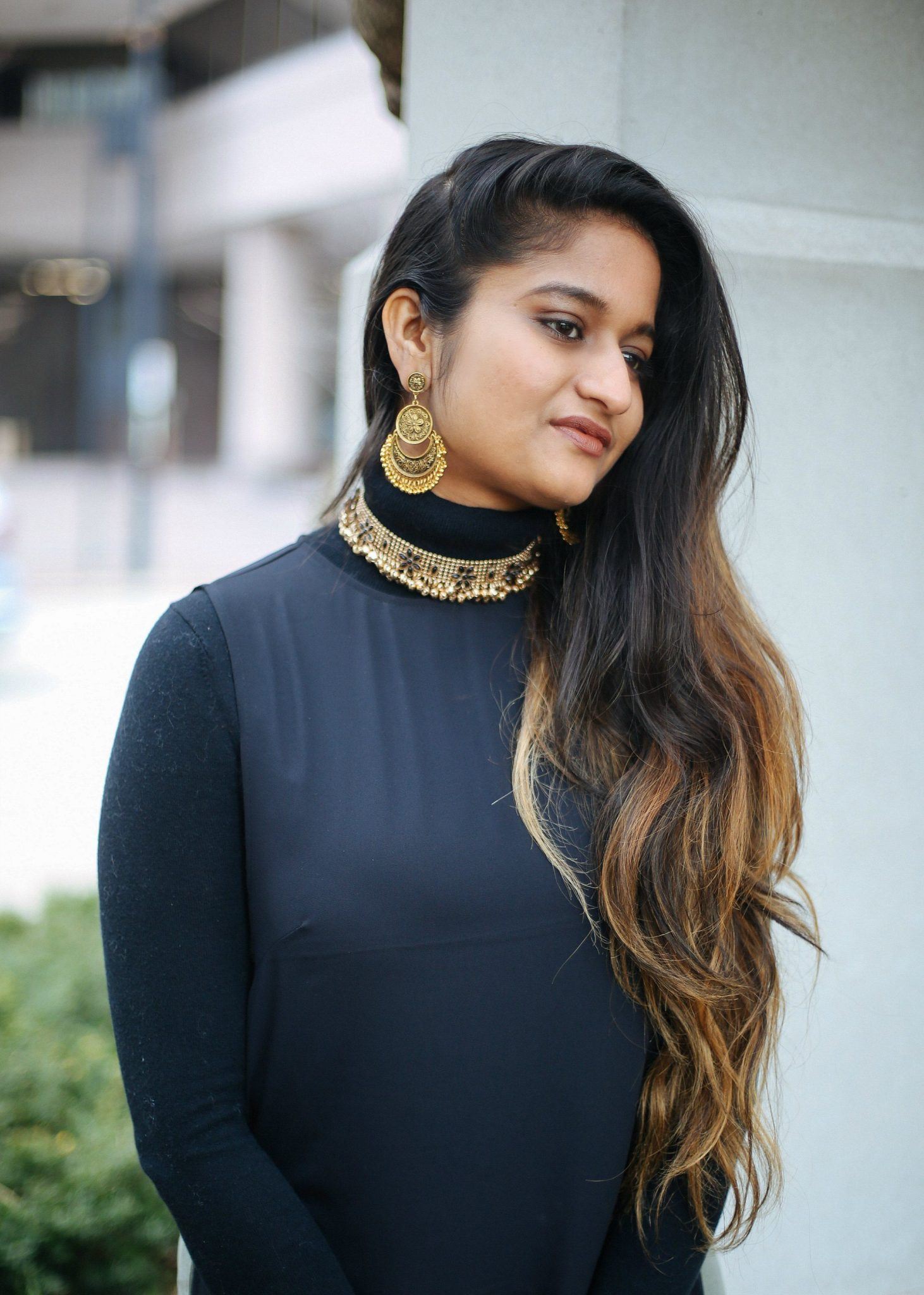 gold-choker-necklace (1 of 1)