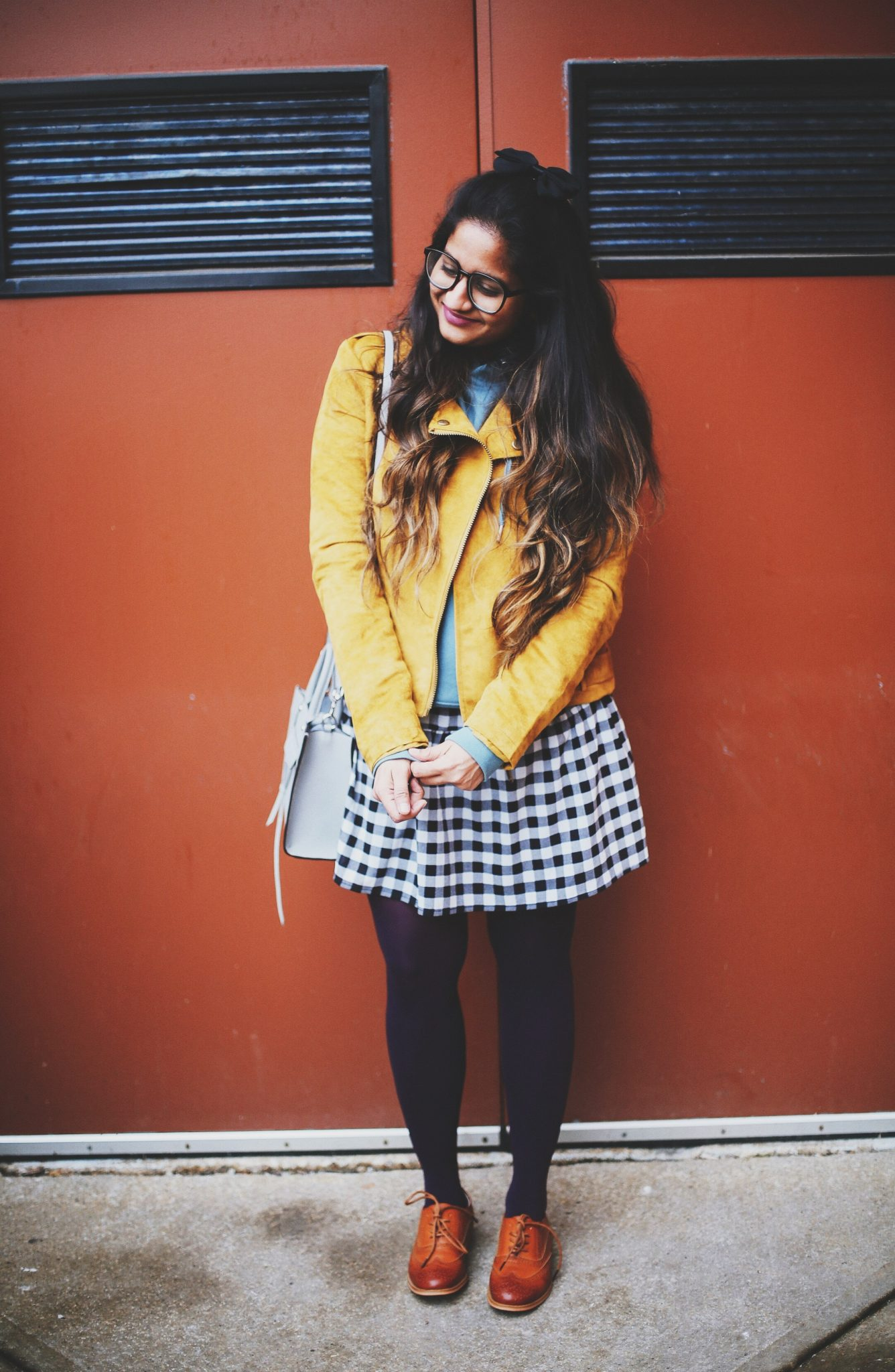 chic-ways-to-wear-a-sweatshirt-hoodie
