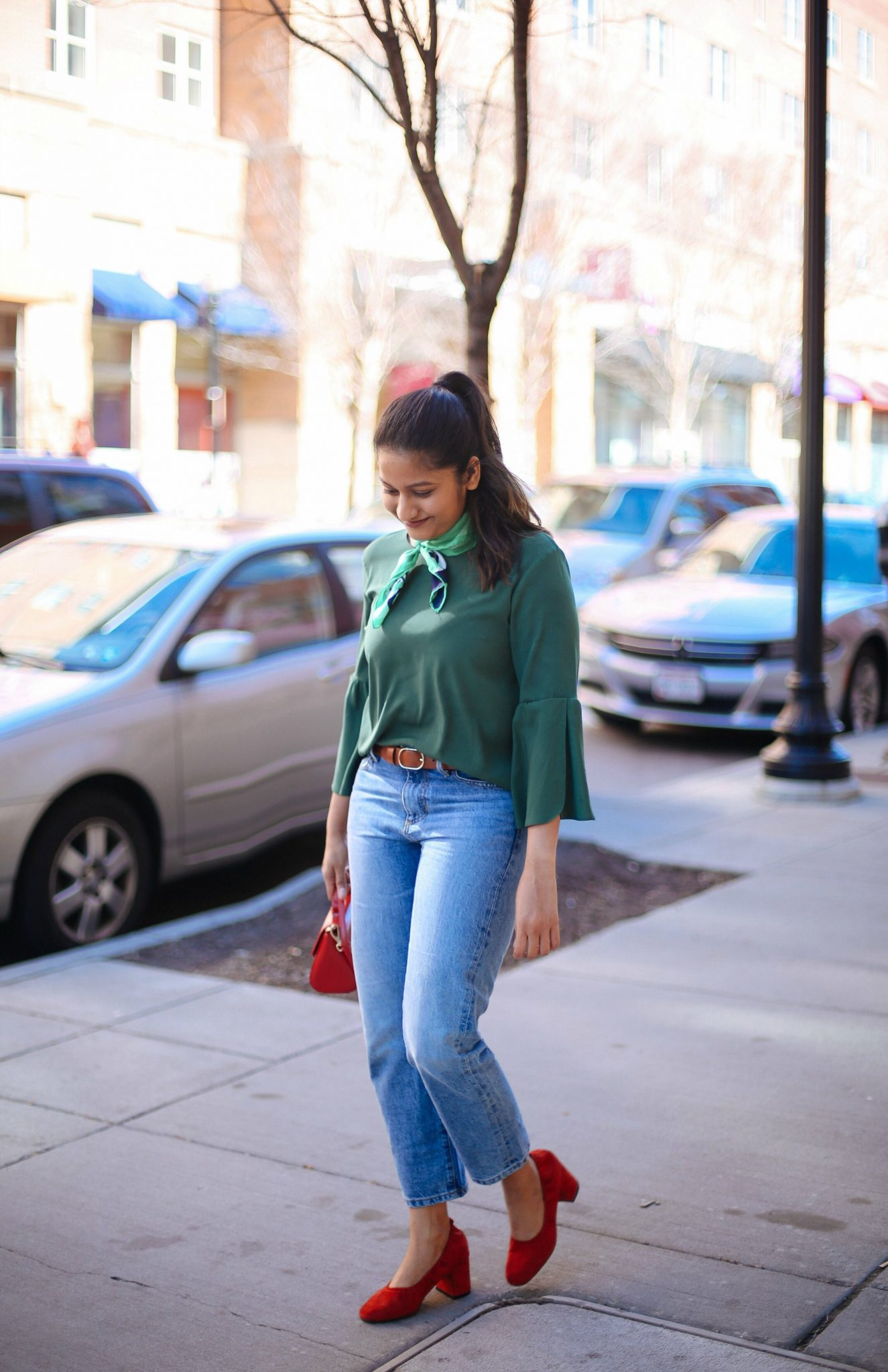 mom-jeans-and-bell-sleeves-spring-fashion-trends-2017
