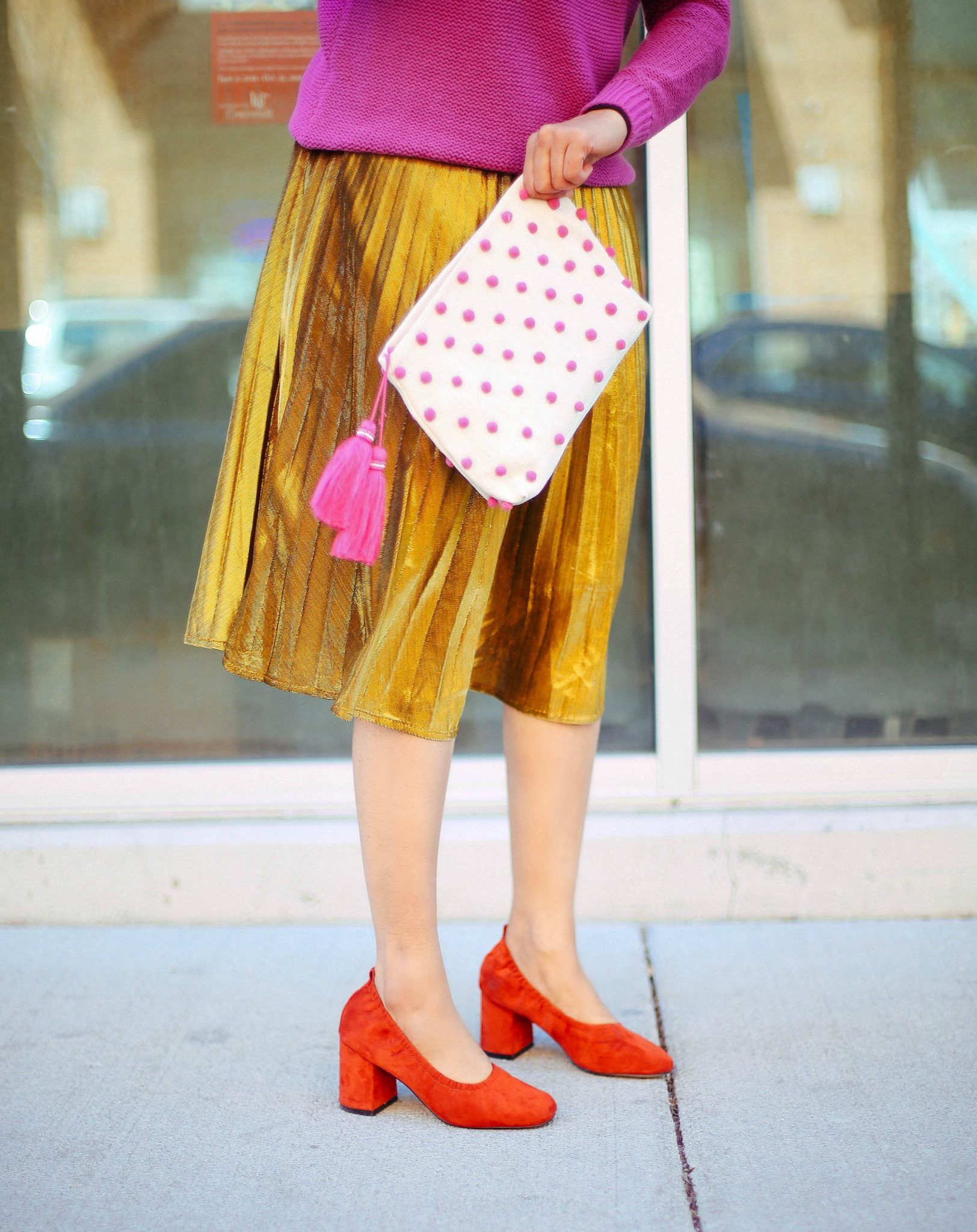 How to dress up gold pleated midi skirt