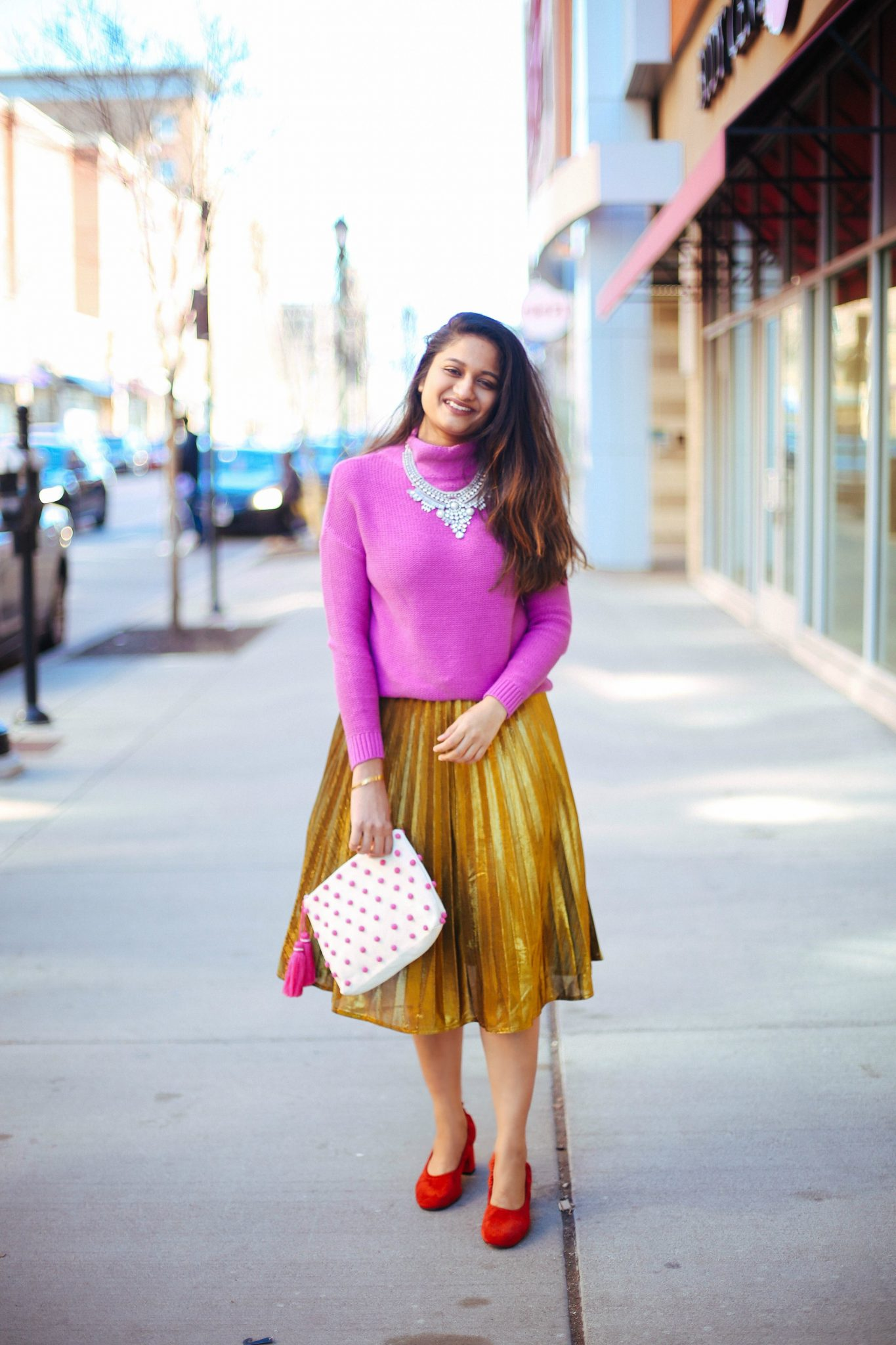 how-to-wear-gold-pleated-skirt