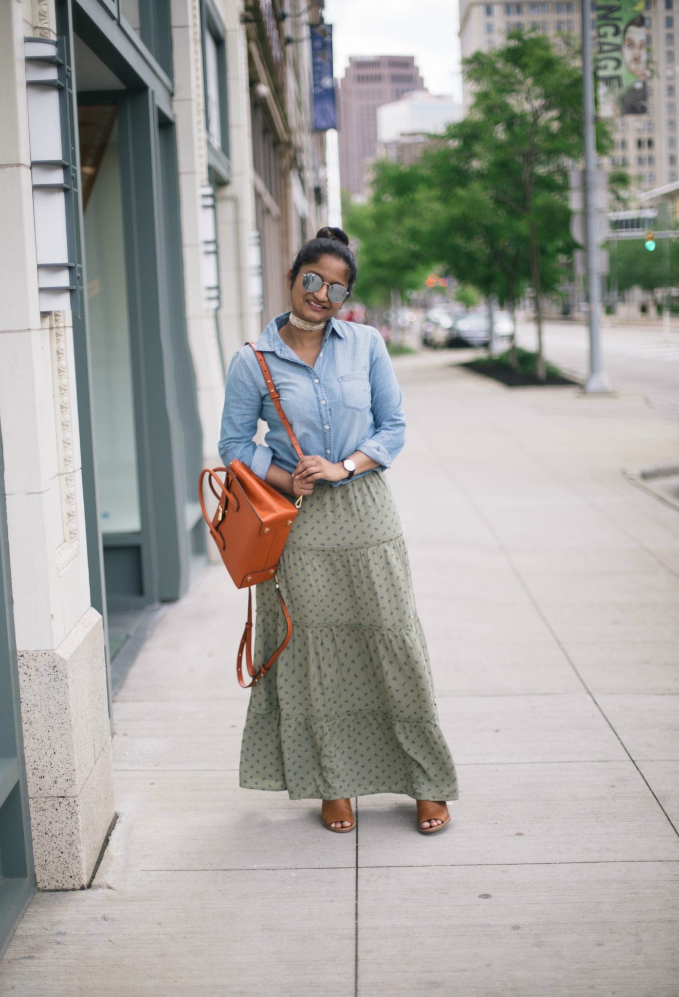 tips-on-how-to-wear-a maxi-skirt-for-petites