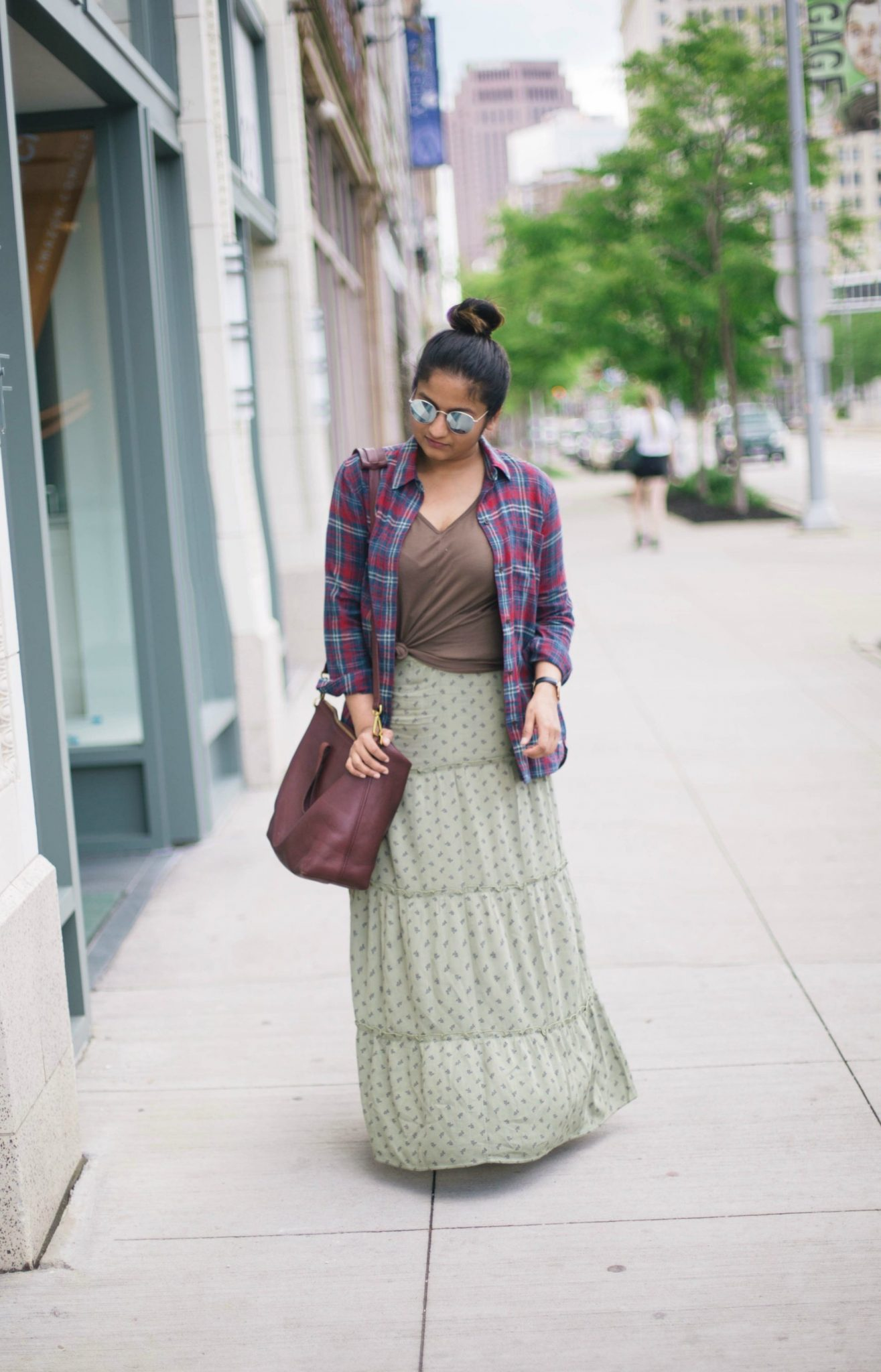 Forever 21 has the Skirt for you! Mini, midi, and maxi silhouettes in an array of designs for all occasions: dressy to casual. Find your favorite skirt: a button front denim mini, ruffled high .