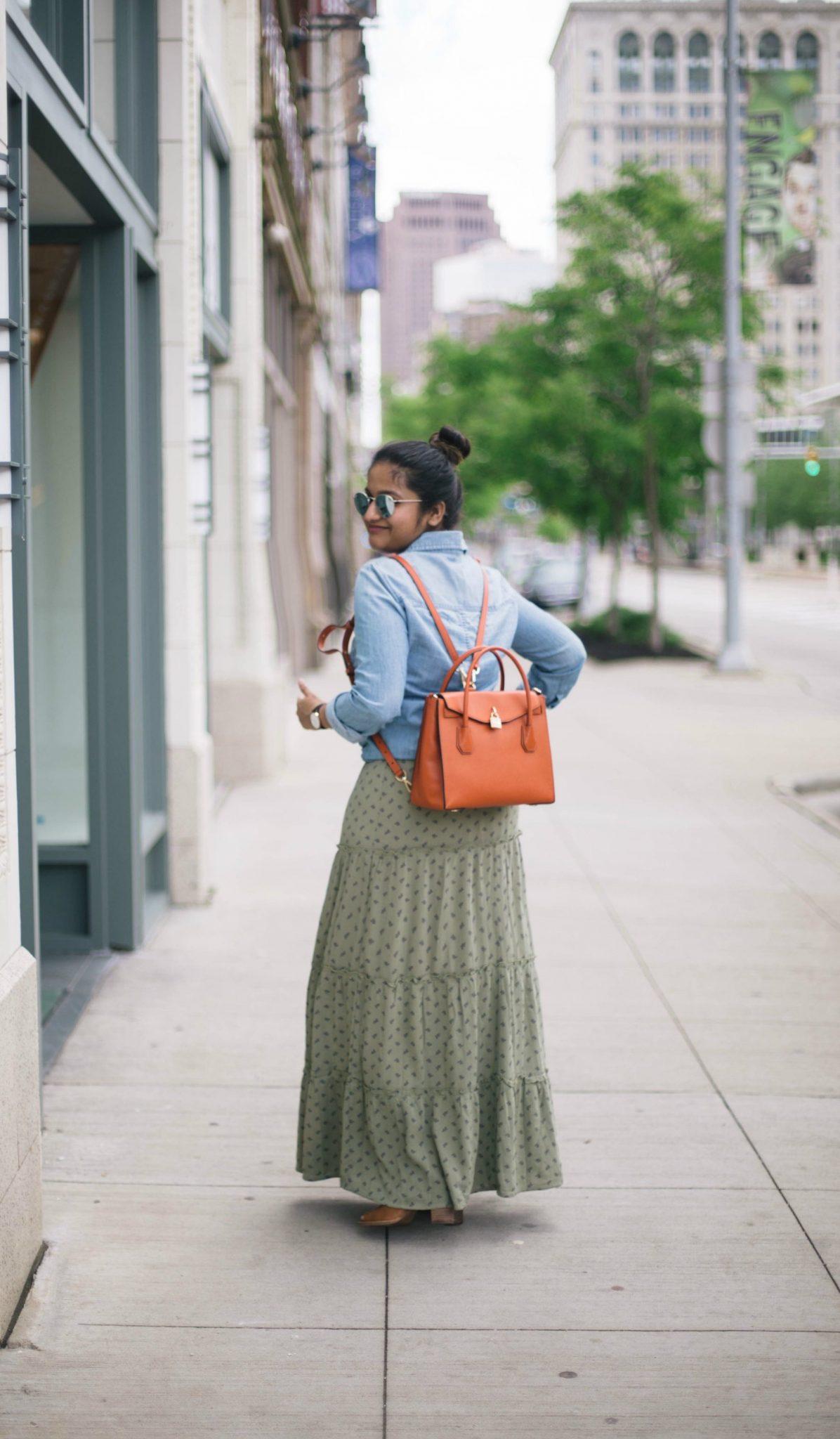 wearing-micheal-kors-all-in-one-mercer-bag